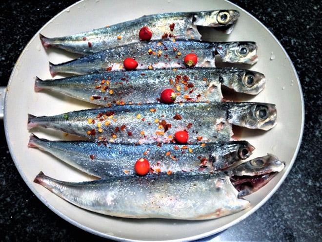 Cá nục kho tiêu Mỹ Lộc